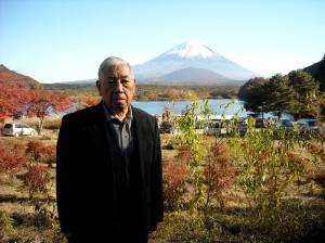 Yamada Yoshifumi at Lake Shojiko